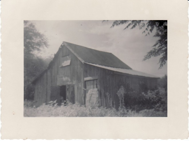 Ayers Ave_003_barn